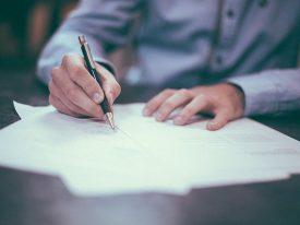 Zostałeś zwolniony bez przyczyny – czy wiesz jakie masz prawa?